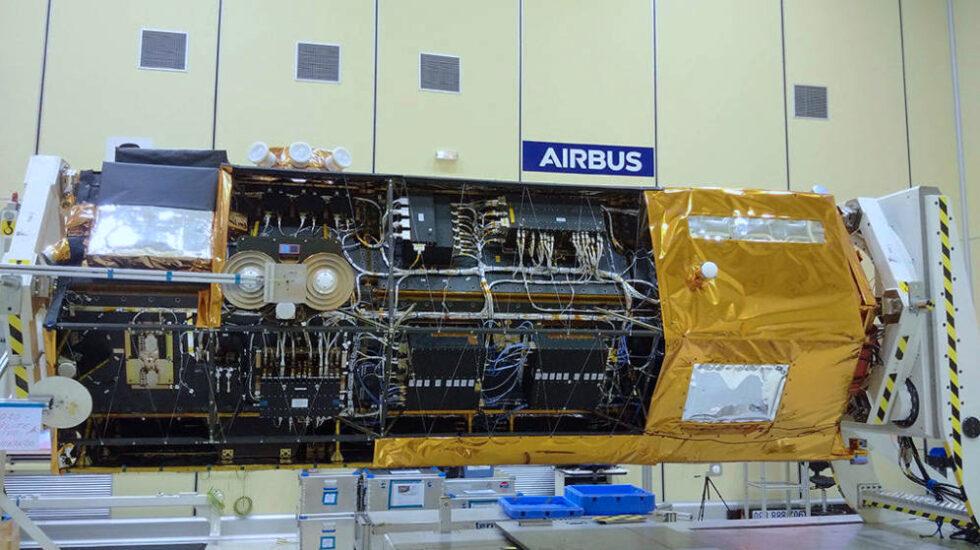 El satélite PAZ en las instalaciones de Airbus en Madrid