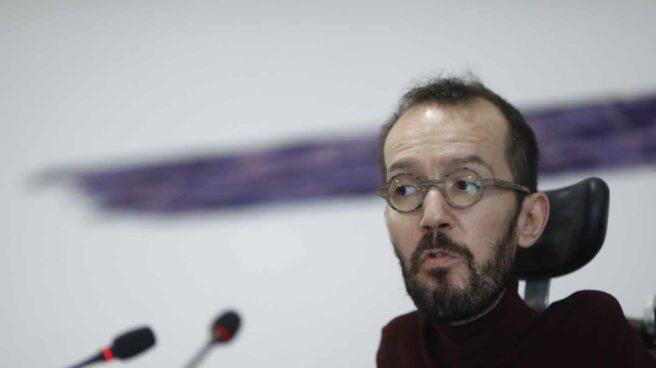 Pablo Echenique, secretario de Organización de Podemos, en su rueda de prensa de los lunes.