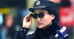 La policía china vigila con gafas con tecnología de reconocimiento facial