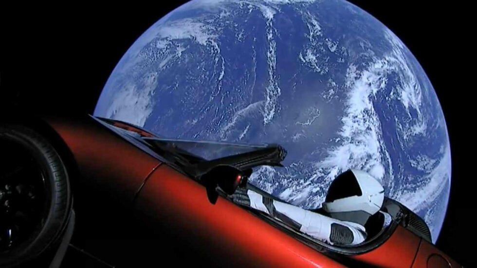 Starman y la tierra