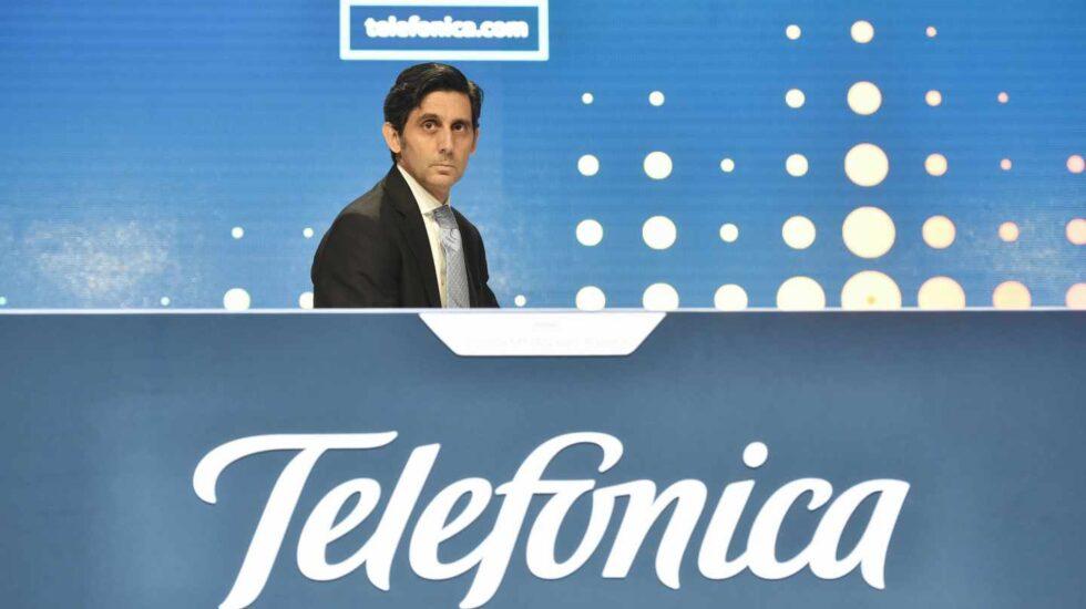 Telefónica se hunde en mínimos de 15 años en bolsa tras perder 14.500 millones en once meses.