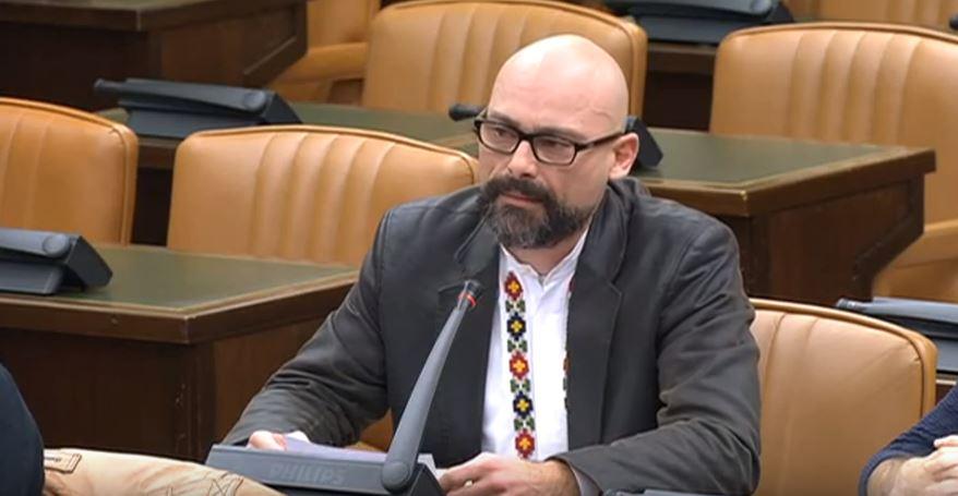 El diputado de Podemos, Txema Guijarro, durante una comisión en el Congreso de los Diputados.