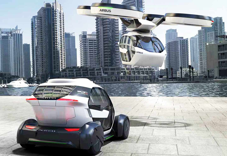 Cabina con los accesorios para viajar por tierra y aire.