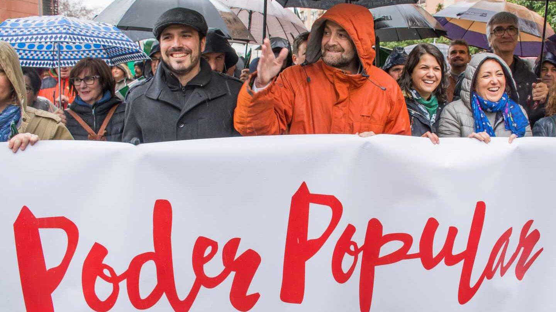 Alberto Garzón y Antonio Maíllo en la manifestación de Sevilla con motivo del Día de Andalucía