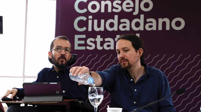 El secertario de Organización, Pablo Echenique, junto a Pablo Iglesias.