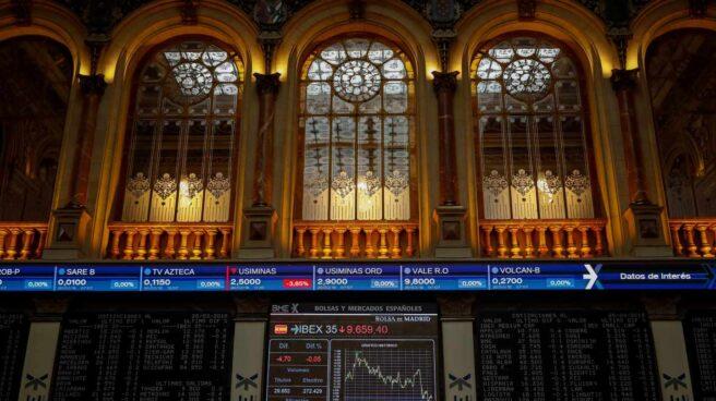 El temor a una guerra comercial agita al mercado y arrastra al Ibex a mínimos de un año.
