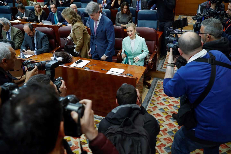 Cristina Cifuentes, en el Pleno de la Asamblea de Madrid tras conocerse la presunta falsificación de notas en su máster.