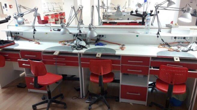 Imagen del interior del laboratorio de iDental en Barcelona, cerrado el 25 de enero.