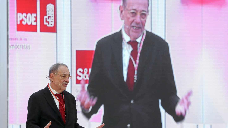 Solana muestra su descontento con el PSOE tras la 'derrota' en el debate de la prisión permanente