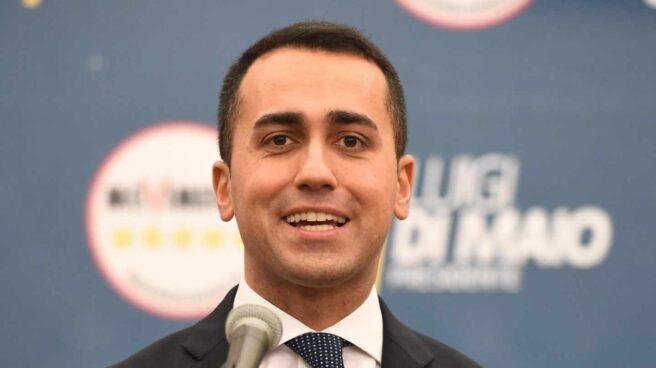 Luigi di Maio se dirige a los periodistas en Roma, tras ganar las elecciones.