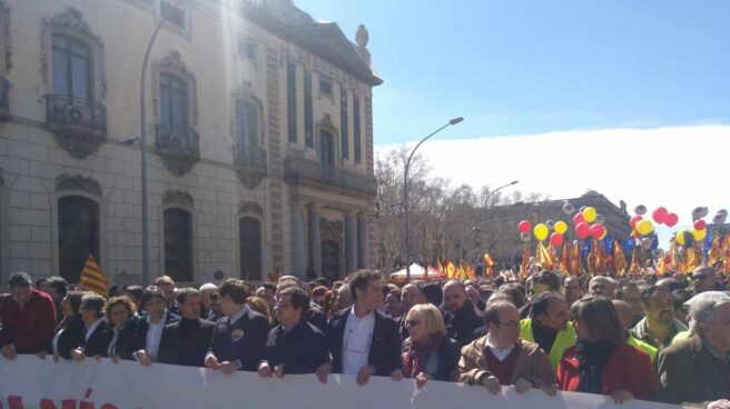 Cabecera de la manifestación en Barcelona de Societat Civil Catalana (SCC):