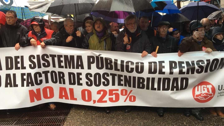Cabecera de la manifestación de pensionistas en Madrid.