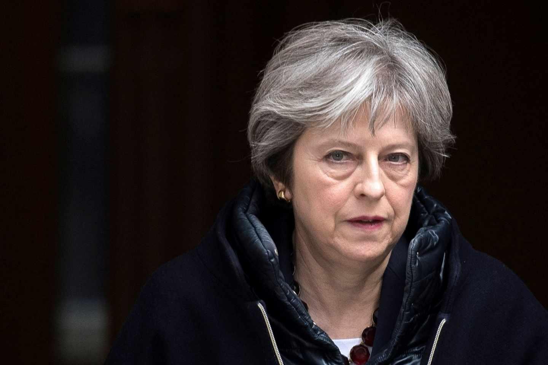 May sale del 10 de Downing Street.