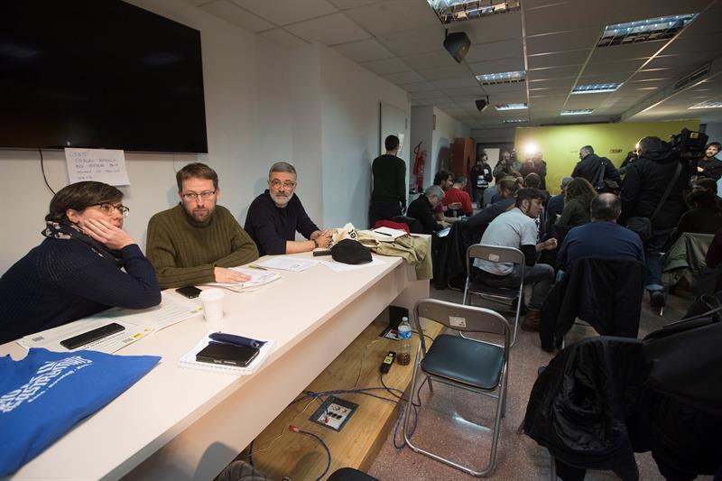 Mireia Boya, Vidal Aragonés y Carles Riera, este sábado durante él consejo político de la CUP.
