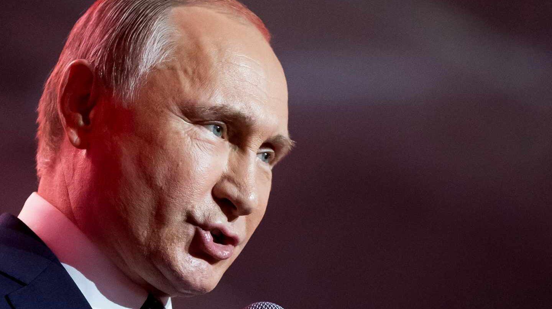 Vladimir Putin se dirige a sus seguidores.