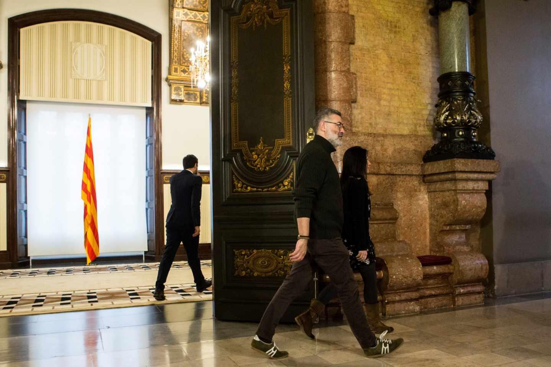 Roger Torrent y Carles Riera, tras su reunión en el Parlament.