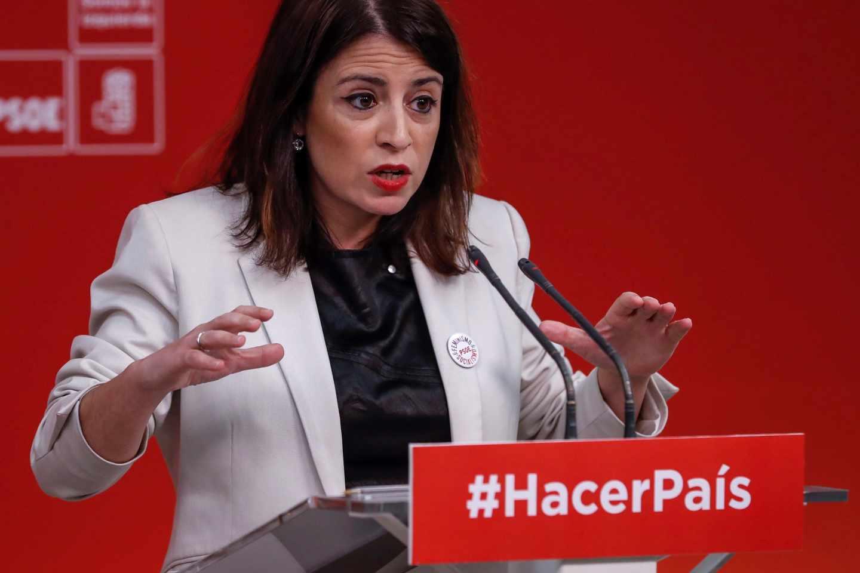 La número dos del PSOE, Adriana Lastra, durante una rueda de prensa.