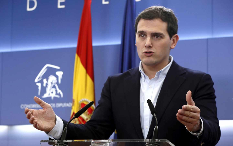 El líder de Ciudadanos, Albert Rivera, durante una rueda de prensa en el Congreso.