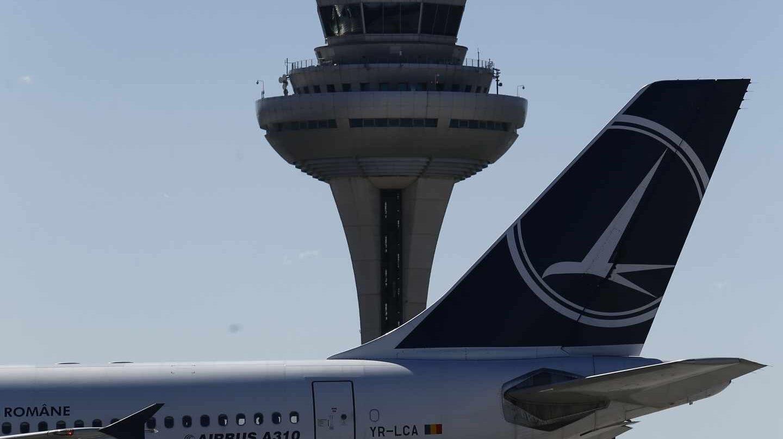 Un avión en el aeropuerto de Madrid-Barajas.