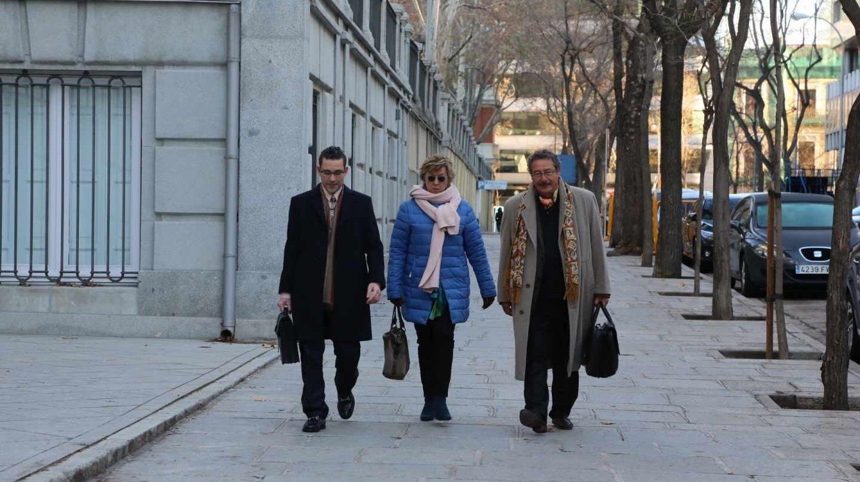 Llega al Supremo la senadora del PP Barreiro para declarar por cinco delitos.