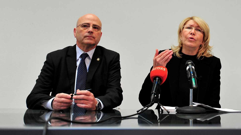 El abogado Blas Imbroda y la fiscal venezolana Luisa Ortega