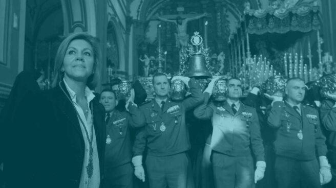 La ministra de Defensa, María Dolores de Cospedal, tras dar los primeros toques de campana al trono del Cristo de Animas de Ciego de las Reales Cofradías Fusionadas de Málaga.
