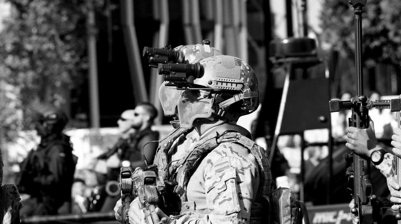 Militares durante el desfile de las Fuerzas Armadas.
