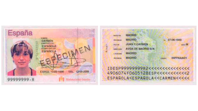 La segunda tarjeta informatizada, presentaba la fotografía en color y añadía una nueva línea de caracteres OCR.