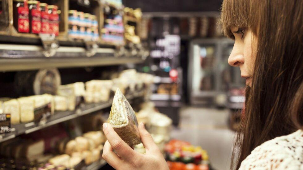 El consumo de lácteos sin pasteurizar tiene riesgos para la salud.