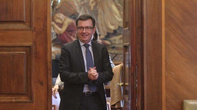 S&P sigue los pasos de Fitch y eleva a notable el rating de España.