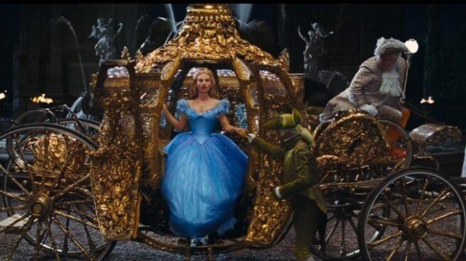 "La nueva y peligrosa ""dieta de la Cenicienta"" busca imitar la cintura de avispa de las princesas Disney."