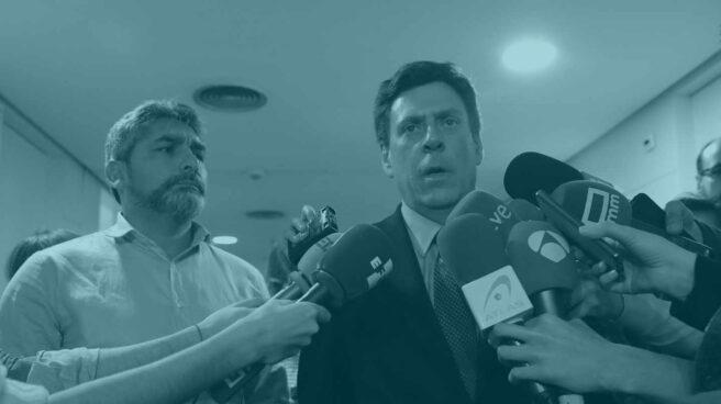 Juan Carlos Quer y Juan José Cortés atienden a los medios.