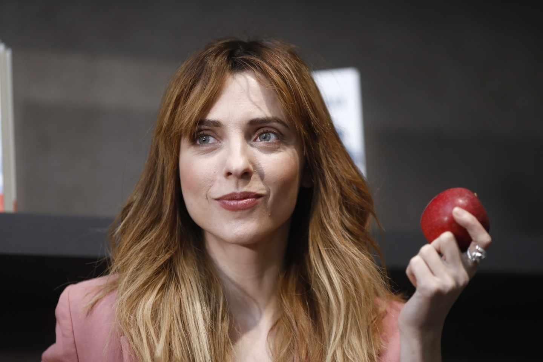 Letizia Dolera en la presentación de su libro 'Morder la Manzana'.