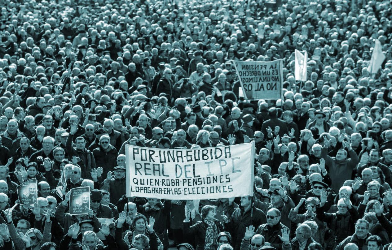 Miles de jubilados se manifiestan en Bilbao por unas pensiones dignas, el jueves 22 de febrero.