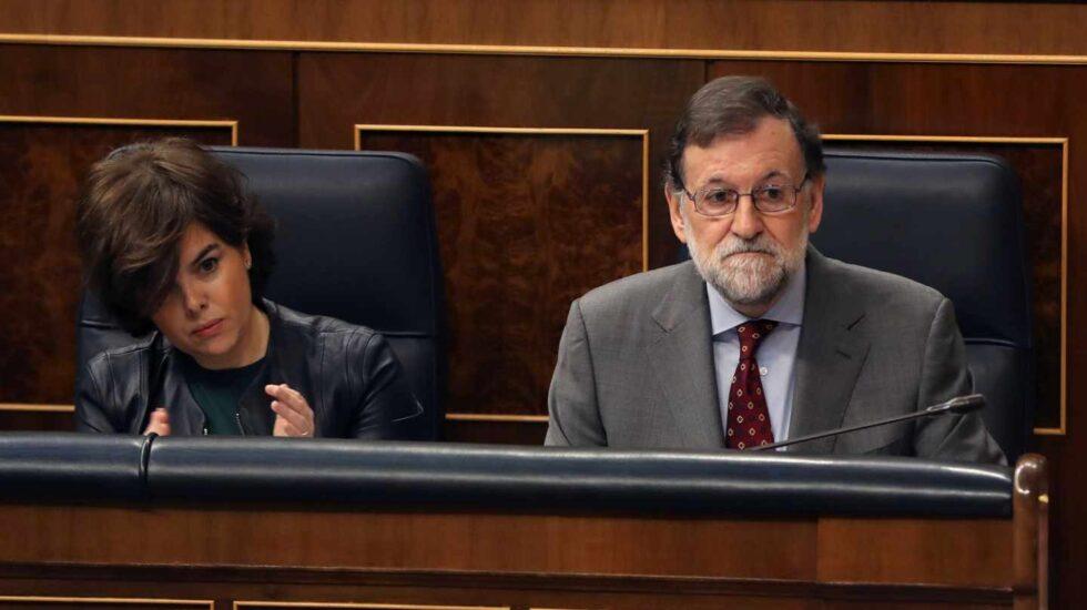 El presidente del Gobierno, Mariano Rajoy, y la vicepresidenta, Soraya Sáenz de Santamaría.