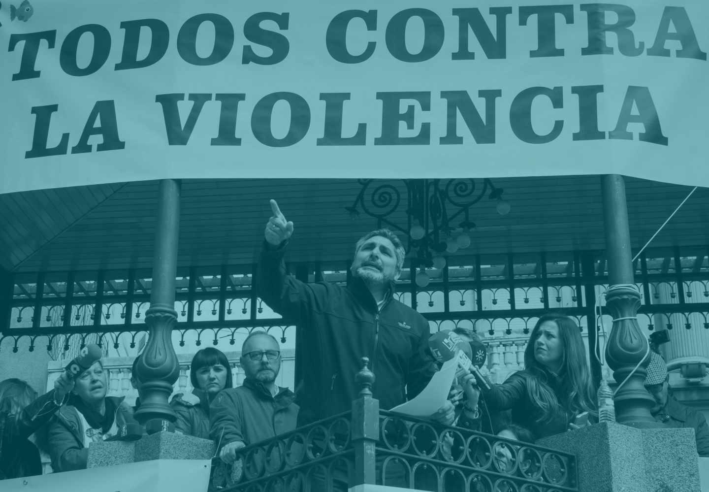 El padre de Mariluz Cortés, en un acto a favor de la prisión permanente revisable.