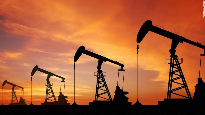 Torres de extracción de petróleo.