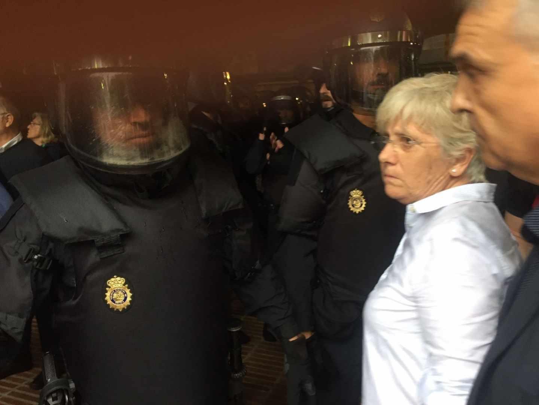 La ex consejera Clara Ponsatí, durante la jornada del 1 de octubre.