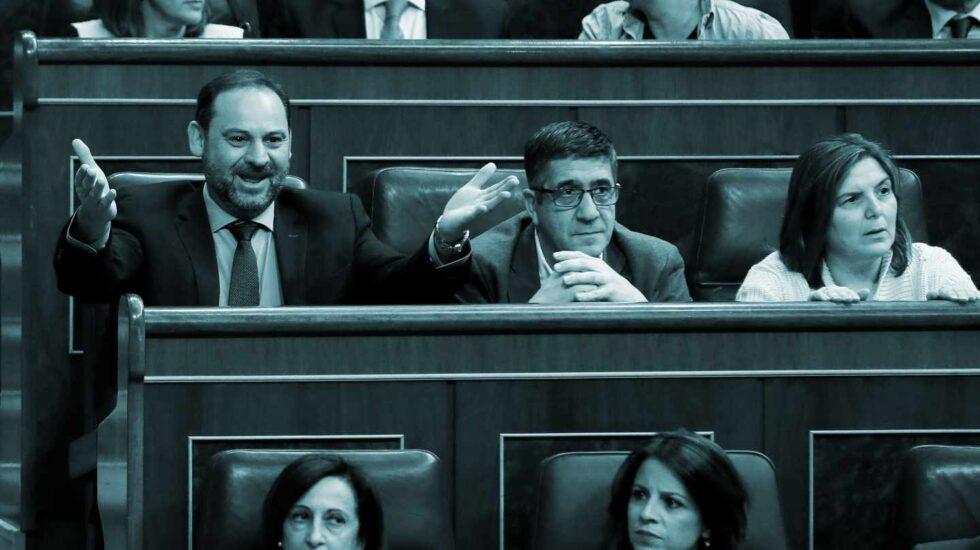 José Luis Ábalos, Patxi López, Margarita Robles y Adriana Lastra durante el debate sobre la prisión permanente revisable este jueves en el Congreso.