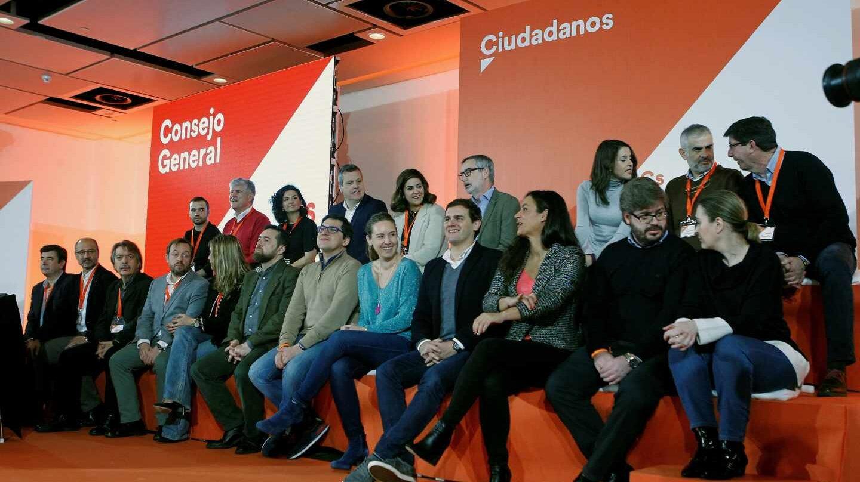 Albert Rivera durante el primer Consejo General del partido junto al resto de su equipo.