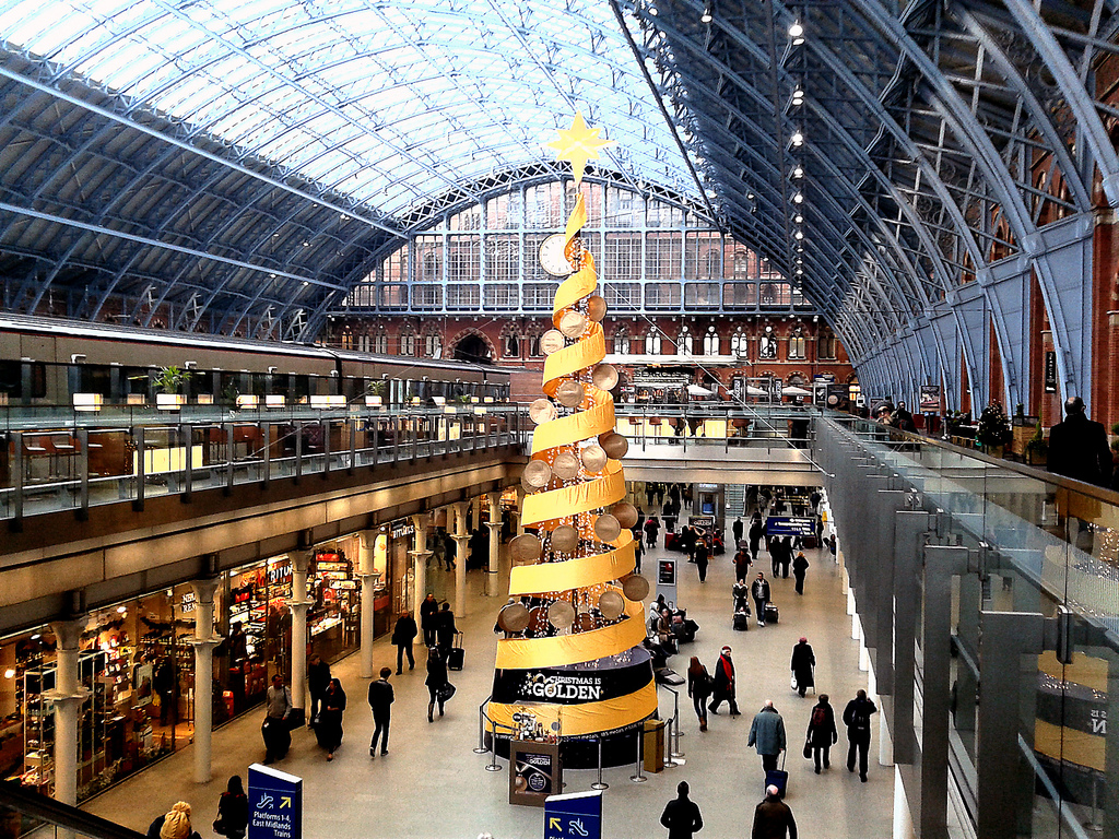 Interior de la Estación de Saint Pancras, en Londres, adonde llega el Eurostar.