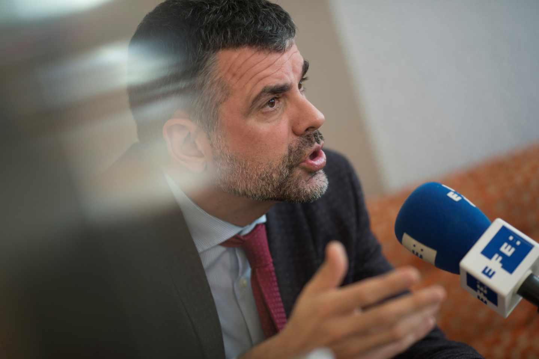 El ex consejero Santi Vila, durante un acto ante la prensa.