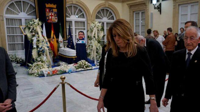 Susana Díaz, en la capilla ardiente de Gabriel. Cruz