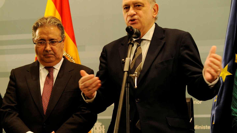Juan Ignacio Zoido y Jorge Fernández Díaz, cuando se produjo el relevo al frente de Interior en noviembre de 2016.