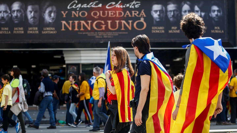 S&P ve en riesgo la capacidad de pago de Cataluña por la tensión política.