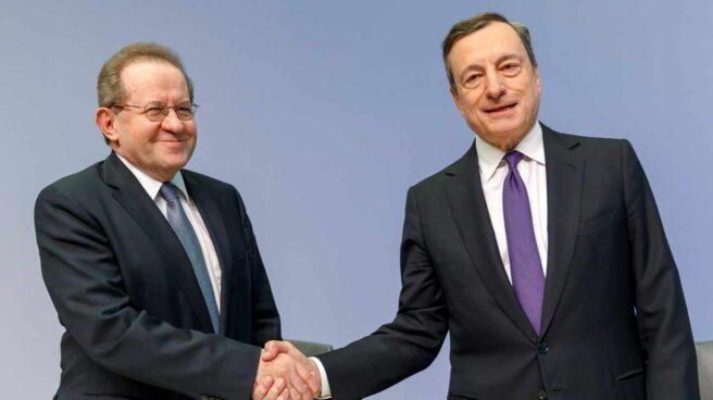 Draghi esperará a Guindos para dibujar el fin de los estímulos en Europa.