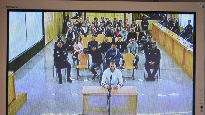 Monitor de la sala de prensa de la Audiencia Nacional con los acusados de Alsasua.