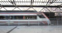 Viajeros, al tren