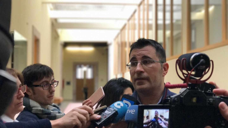 Presenta su dimisión el diputado de Podemos cuyo currículo decía que era ingeniero y no era verdad
