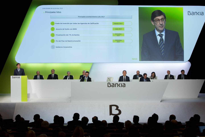 El presidente del Bankia, José Ignacio Goirigolzarri, durante su intervención en la junta general de accionistas de Bankia, en la que se aprueban las cuentas anuales, el informe de gestión, y las modificaciones sobre la Comisión de seguimiento y supervisión del proceso de fusión con Banco Mare Nostrum.